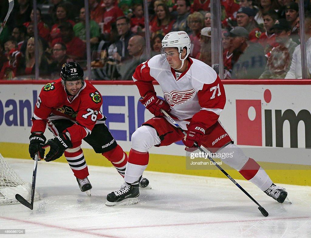 Detroit Red Wings v Chicago Blackhawks : News Photo