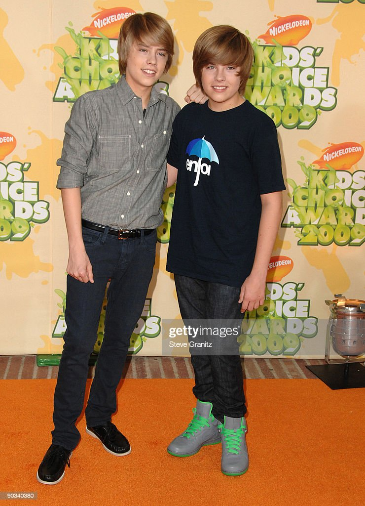 Dylan Sprouse and Cole Sprouse arrives at Nickelodeon's ...