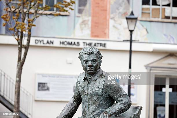 Dylan Thomas statue outside the theatre in Swansea Marina