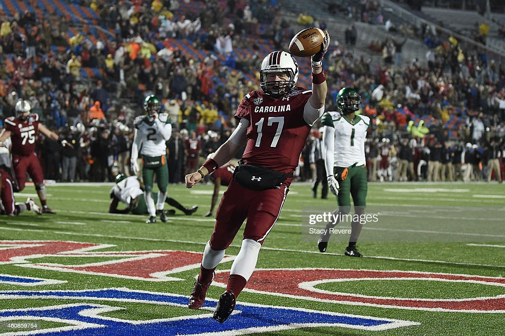 Dylan Thompson #17 of the South Carolina Gamecocks scores a touchdown against the Miami Hurricanes during the fourth quarter of the Duck Commander Independence Bowl at Independence Stadium on December 27, 2014 in Shreveport, Louisiana.