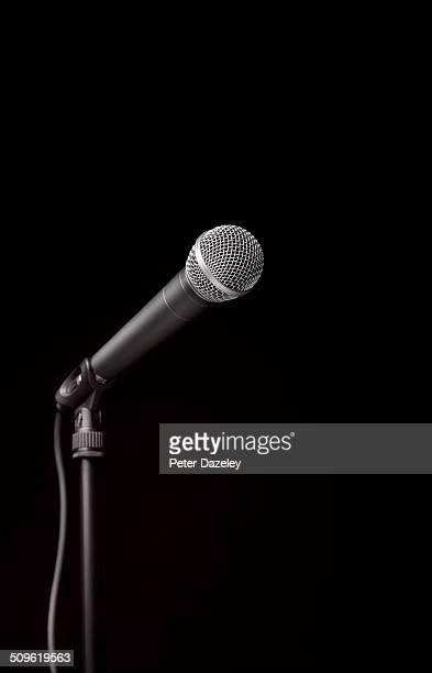 dynamic microphone on stand - マイクスタンド ストックフォトと画像