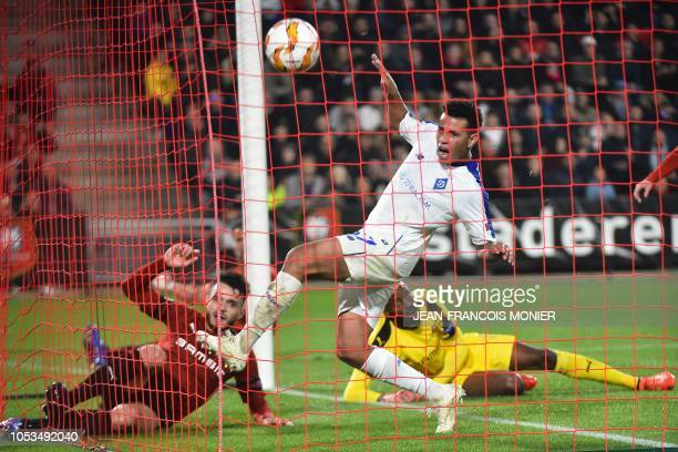 Dynamo Kiev's Brazilian defender Sidcley scores despite of Rennes' French goalkeeper Abdoulaye Diallo during the UEFA Europa League Group K firstleg...