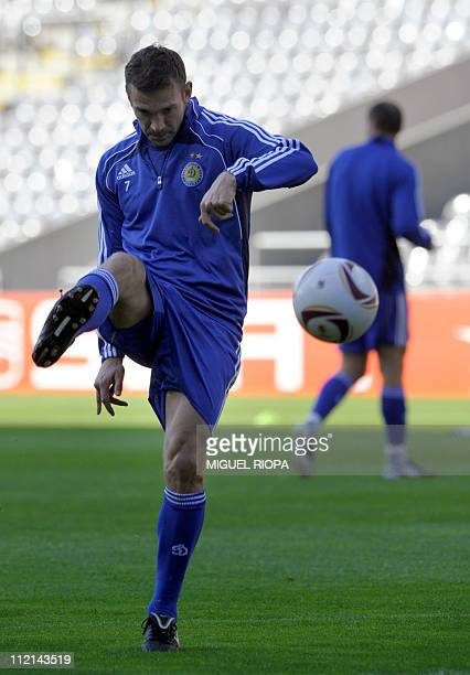 FC Dynamo Kiev's forward Andriy Shevchenko warms up during a training session at the Municipal Stadium in Braga on April 13 on the eve of their UEFA...