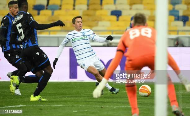 Dynamo Kiev's Uruguayan forward Carlos Maria De Pena Bonino in action during the UEFA Europa League football match between Dynamo Kiev and Club...