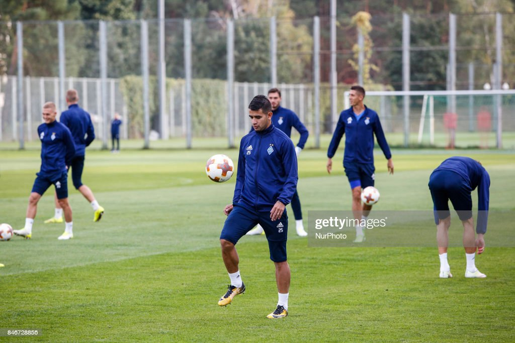 Dynamo Kyiv's player Derlis Gonzalez (C) attends a training session in Kyiv, Ukraine, September 13, 2017. FC Dynamo Kyiv gets the last preparation before the game against Albanian Skenderbeu in the UEFA Europa League Group B opener.