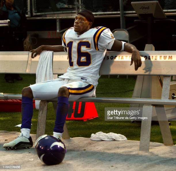 e11/16/03 Oakland CA Minnesota Vikings loose to the Oakland Raiders at the Network Associates Coliseum 2818 their fourth consecutive loss after...