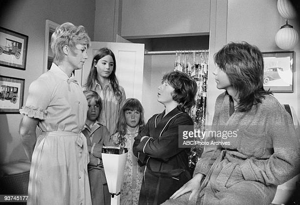 FAMILY Each Dawn I Diet 10/6/72 Shirley Jones Brian Forster Susan Dey Suzanne Crough Danny Bonaduce David Cassidy