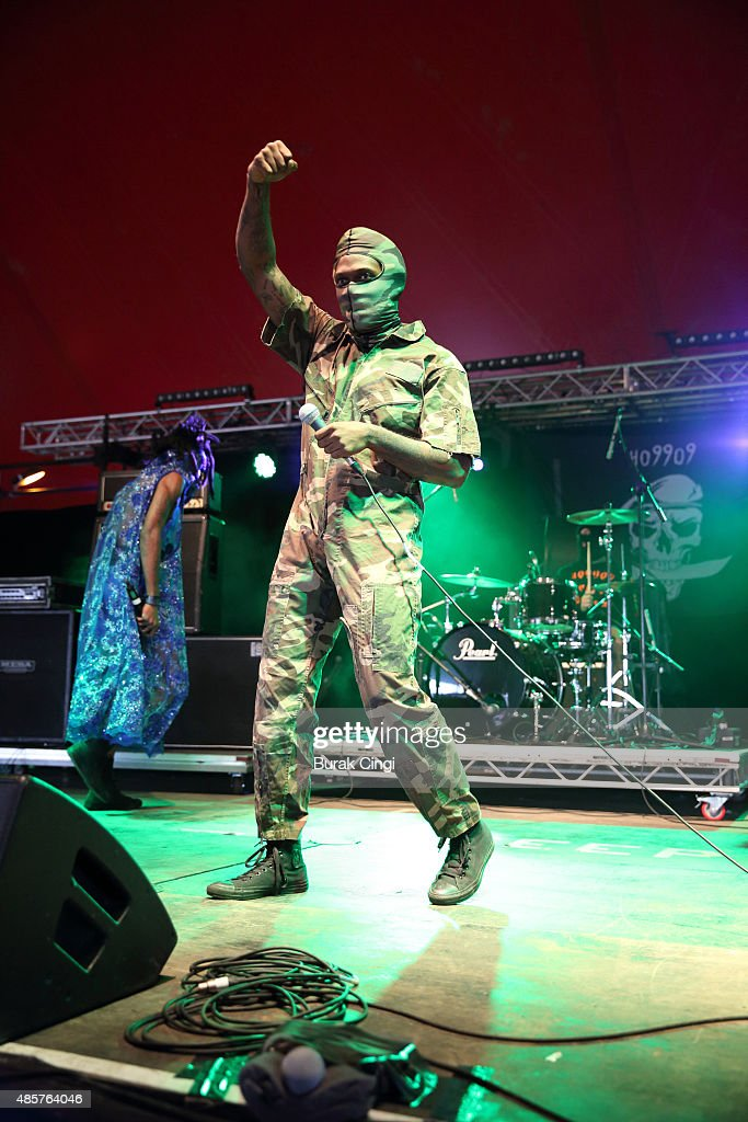Eaddy of Ho99o9 performs on day 2 of Reading Festival at Richfield Avenue on August 29, 2015 in Reading, England.