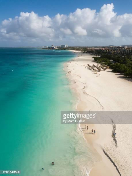 eagle beach aerial, aruba - oranjestad stockfoto's en -beelden