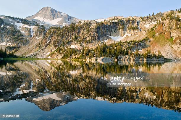 eagle cap peak and mirror lake, eagle cap wilderness, oregon, usa - dan sherwood photography stock pictures, royalty-free photos & images