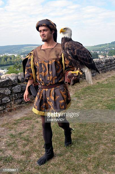 Eagles in Chateau Thierry France The art of falconry and birds of prey Mr and Mrs Carrere MR ok Teddy with Bald Eagle