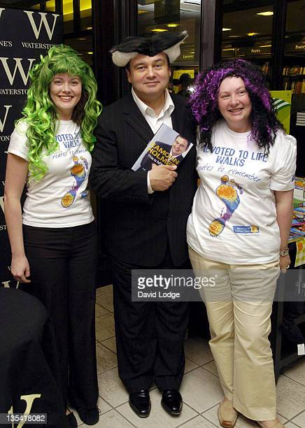 Eamonn Holmes during Eamonn Holmes Signs Copies Of His Book 'This Is My Life' at Waterstones Blue Water June 1 2006 at Waterstones Blue Water in...