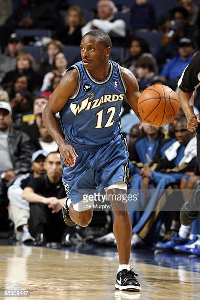 Earl Boykins of the Washington Wizards moves the ball up court during the game against the Memphis Grizzlies at the FedExForum on December 28, 2009...
