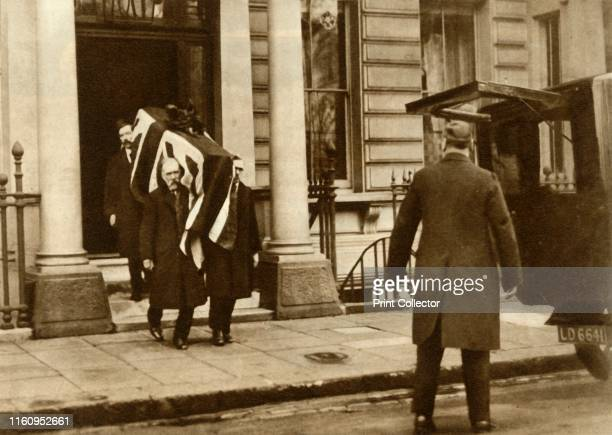 Earl Haig's coffin being carried from the house where he died London 29 January 1928 Field Marshal Douglas Haig 1st Earl Haig died from a heart...