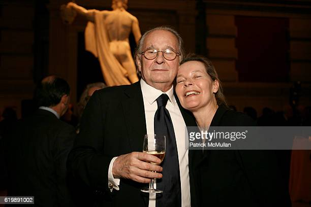 Earl McGrath and Mona Arnold attend Jasper Johns Gray @ Metropolitan Museum 0f Art at 1000 5th Ave on February 5 2008 in New York City