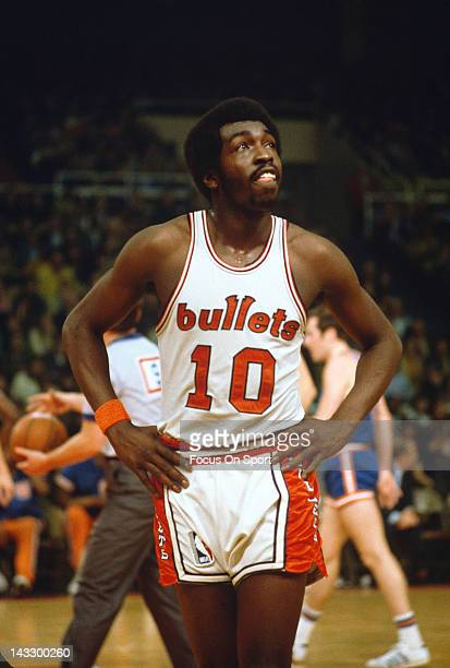 Earl Monroe of the Baltimore Bullets looks on against the New York Knicks during an NBA basketball game circa 1969 at the Baltimore Coliseum in...