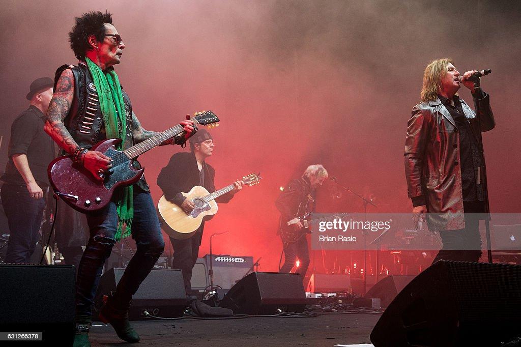 Show - Celebrating David Bowie With Gary Oldman & Friends : News Photo
