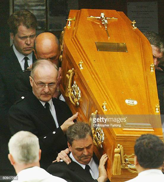Earl Spencer follows the coffin of his motherFrances Shand Kydd from the Cathedral of Saint Columba on June 10 2004 in Oban Argyll Bute Scotland She...