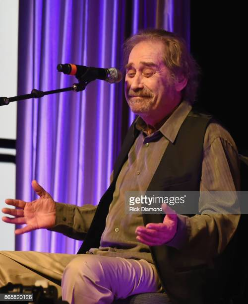 Country Music City Stock Photos Country Music City Stock: 60 Top Earl Thomas Conley Pictures, Photos, & Images