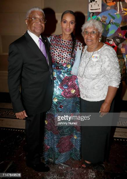 Earl Washington Kerry Washington and Valerie Washington attend the Bronx Children's Museum Third Annual Gala and Benefit Honoring Rita Moreno at...