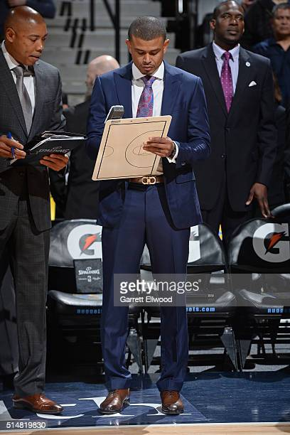 Earl Watson of the Phoenix Suns coaches against the Denver Nuggets on March 10 2016 at the Pepsi Center in Denver Colorado NOTE TO USER User...