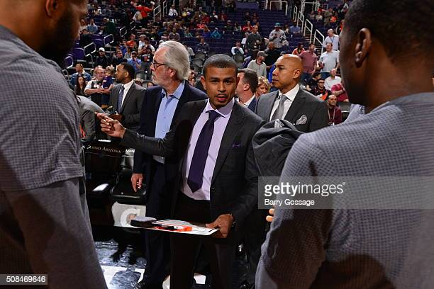 Earl Watson of the Phoenix Suns is seen during the game against the Houston Rockets on February 4 2016 at Talking Stick Resort Arena in Phoenix...