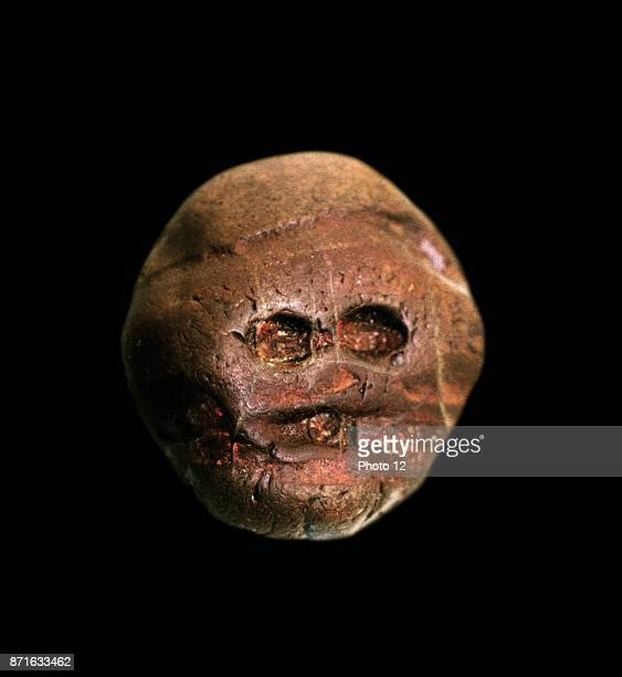 Earliest recorded human made, artistic object. A pebble resembling a human face, from Makapansgat, South Africa, ca. 3 000 BCE. Discovered in 1925.