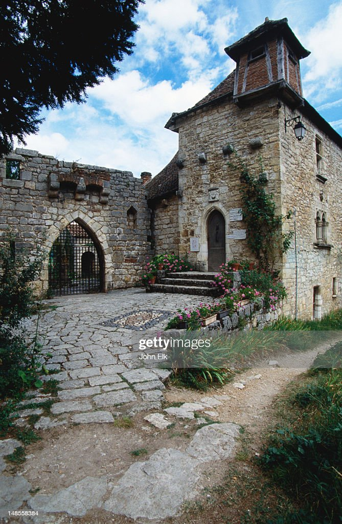 Early 16th century architecture in Saint Cirq Lapopie : Stock Photo