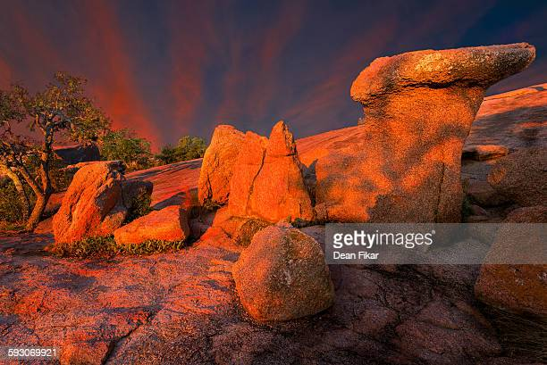 early morning at enchanted rock state park, tx - state park stock pictures, royalty-free photos & images