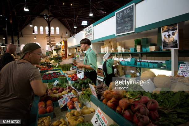 early morning at the farmer's market - lancaster county pennsylvania stock pictures, royalty-free photos & images