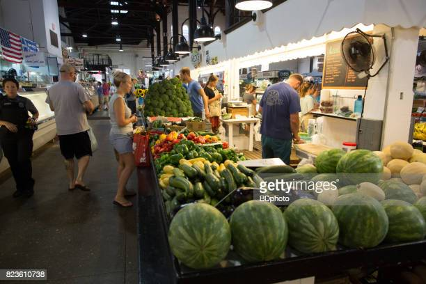 early morning at the farmer's market - lancaster pennsylvania stock pictures, royalty-free photos & images