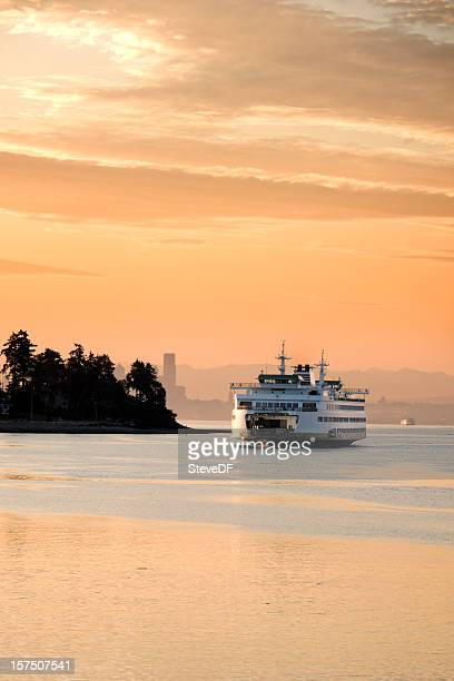 early morning ferry - ferry stock pictures, royalty-free photos & images