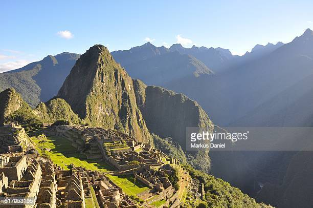 """early morning in macchu picchu, peru - """"markus daniel"""" stock pictures, royalty-free photos & images"""