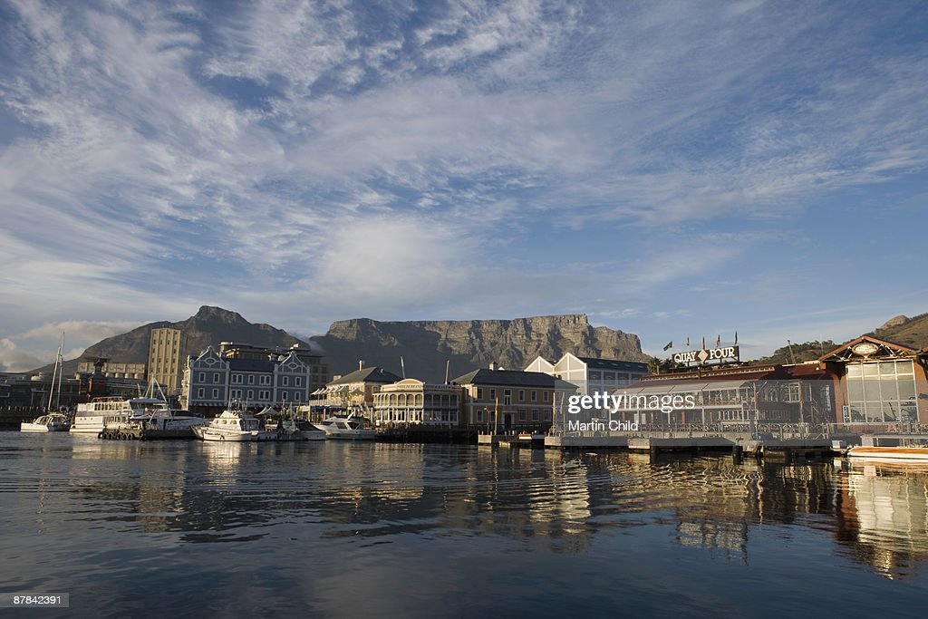 early morning, Waterfront, Table Mountain : Stock Photo
