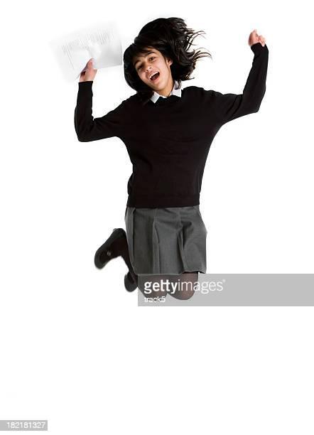 早期ティーンの学生:喜びのためにジャンプ