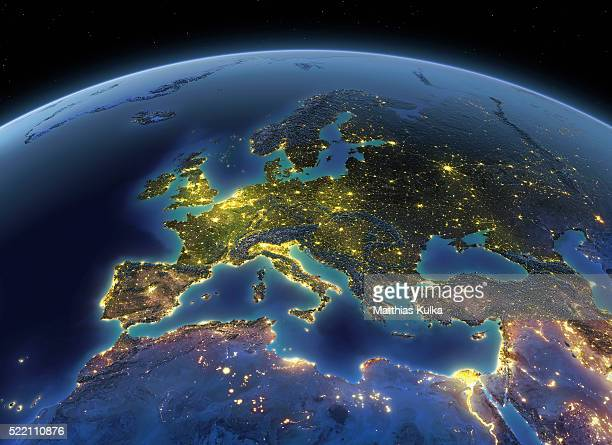 earth at night europe - europe stock-fotos und bilder