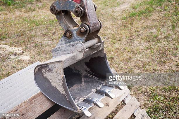 Earth mover scoop detail
