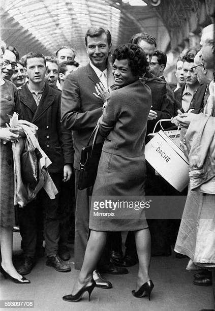 Eartha Kitt and husband Bill McDonald August 1960 P012479