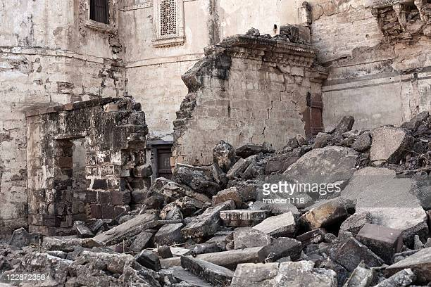 earthquake damage from bhuj, india - gujarat stock pictures, royalty-free photos & images