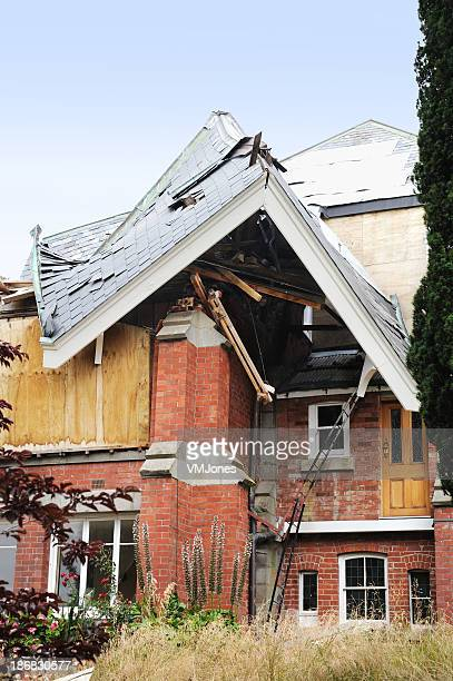 earthquake damaged house - house collapsing stock pictures, royalty-free photos & images
