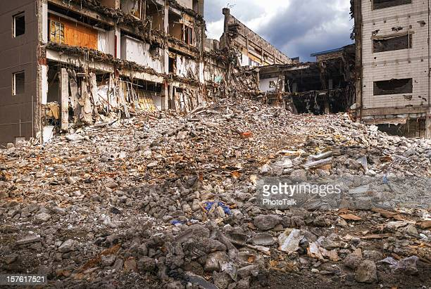earthquake disaster - xlarge - house collapsing stock pictures, royalty-free photos & images