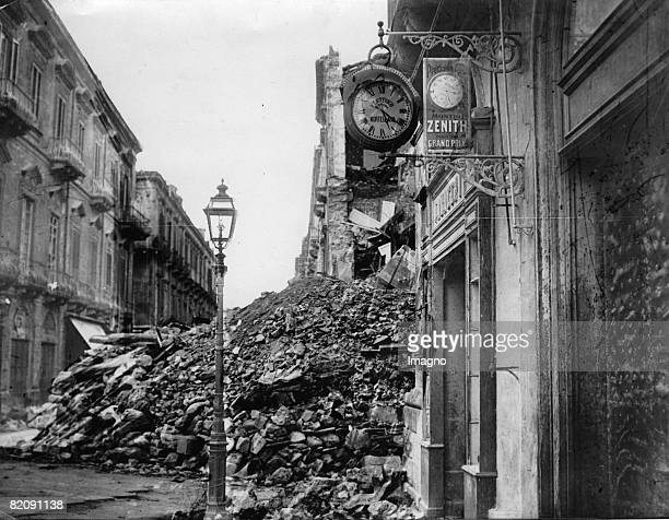 Earthquake in Messina Photograph121938 [Erdbeben in Messina Photographie121938]