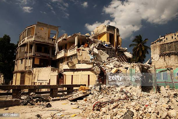earthquake - house collapsing stock pictures, royalty-free photos & images