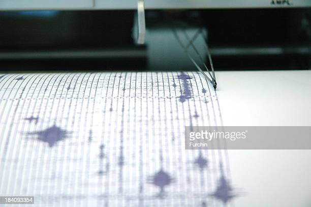 earthquake seismogram recording by a seismograph image - earthquake stock pictures, royalty-free photos & images