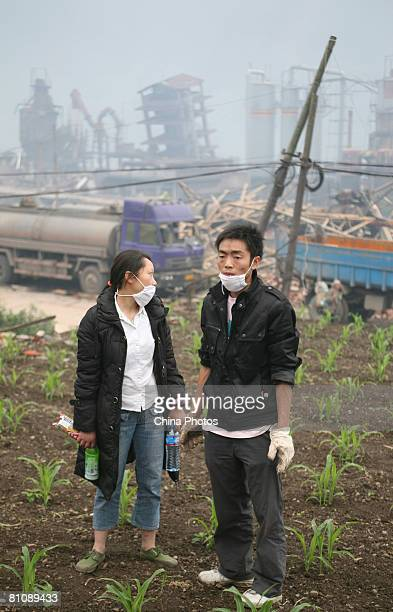 Earthquake victims try to salvage what they can in the Ronghua Township May 14, 2008 in the outskirts of Shifang, one of the hard-hit cities, of...