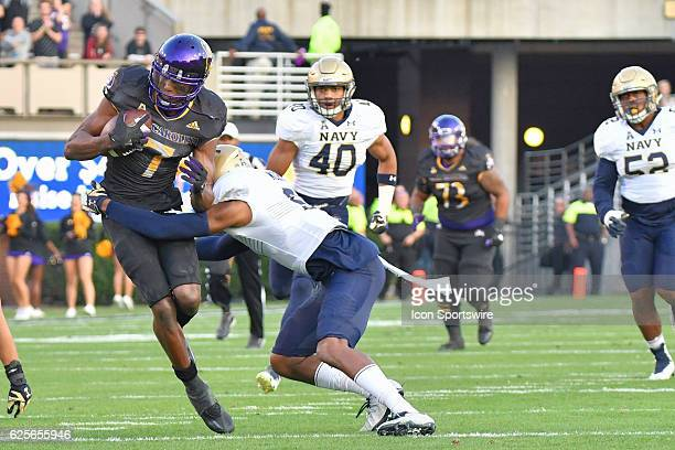 East Carolina Pirates wide receiver Zay Jones makes a catch during an NCAA football game between the East Carolina Pirates and the Navy Midshipmen on...