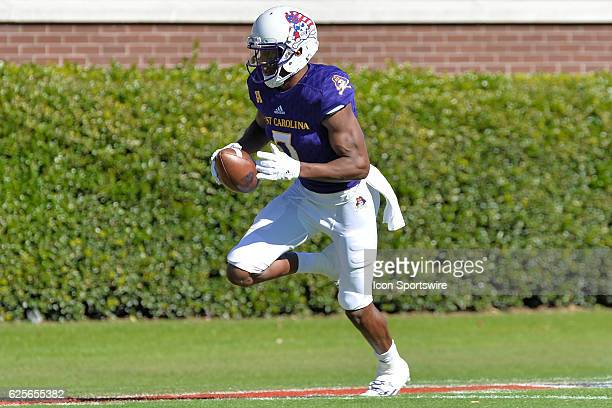 East Carolina Pirates wide receiver Zay Jones runs with the ball during an NCAA football game between the East Carolina Pirates and SMU Mustangs on...