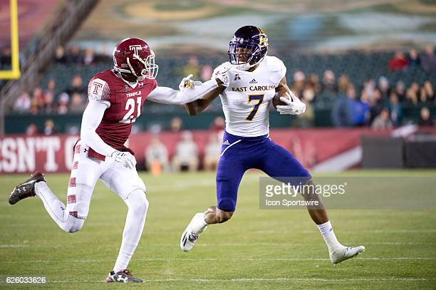 East Carolina WR Zay Jones carries the ball on a reception in the firsrt half during the game between the East Carolina Pirates and the Temple Owls...