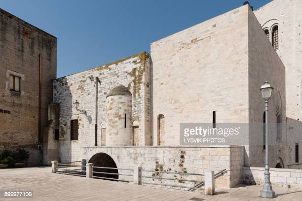 east facade of the romanesque cathedral basilica san nicola, bari - basilica di san nicola bari foto e immagini stock