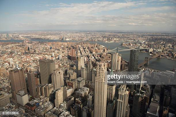east manhattan and the east river - noam galai stock pictures, royalty-free photos & images